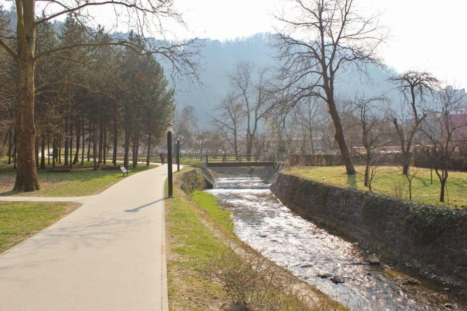 The Gradna Stream flows through the center of Samobor