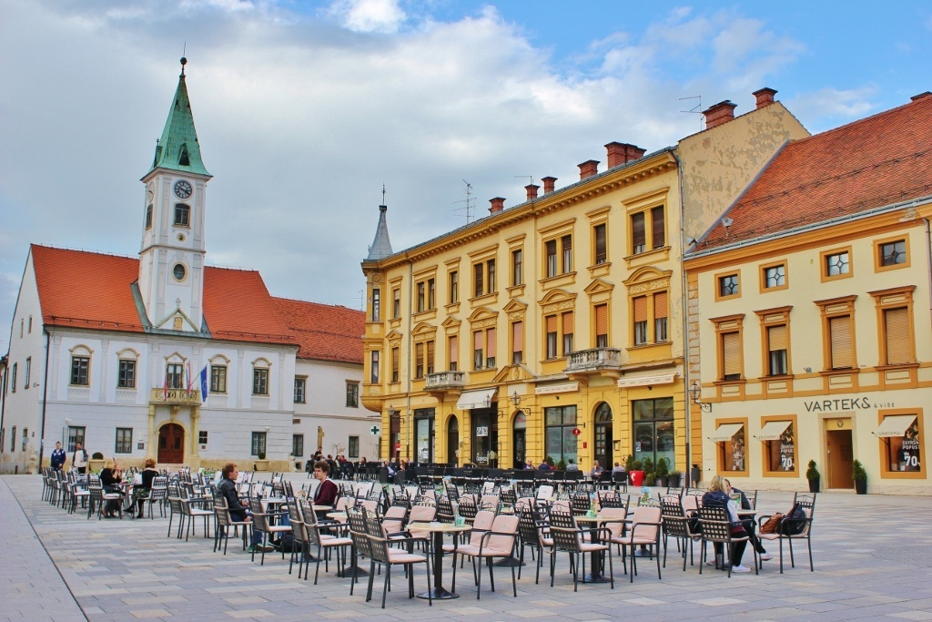Varazdin: Town Square on King Tomislav Square