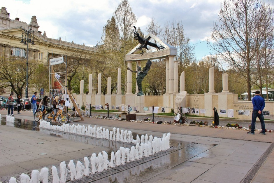 Iconic Budapest sights: A new monument has created quite the controversy and citizens have created a counter-monument from personal items.
