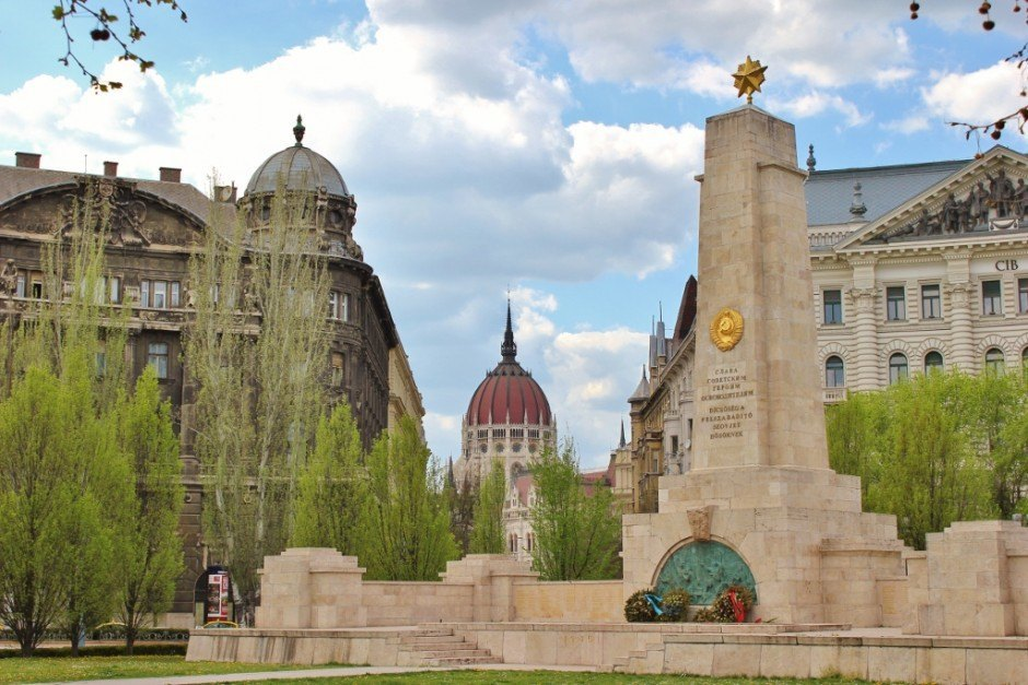 Iconic Budapest sights: The Soviet War Memorial at Liberty Square