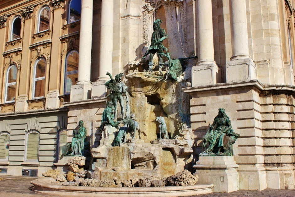 Castle Hill sights: King Matthias Fountain
