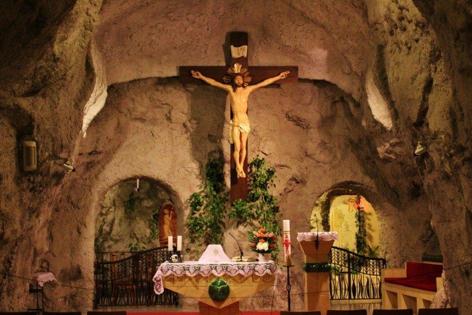 Gellert Hill: Cave Church altar