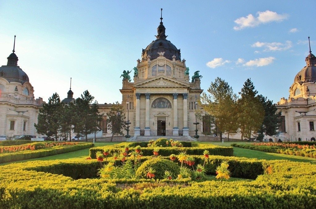 Budapest's City Park: The Szechenyi Baths