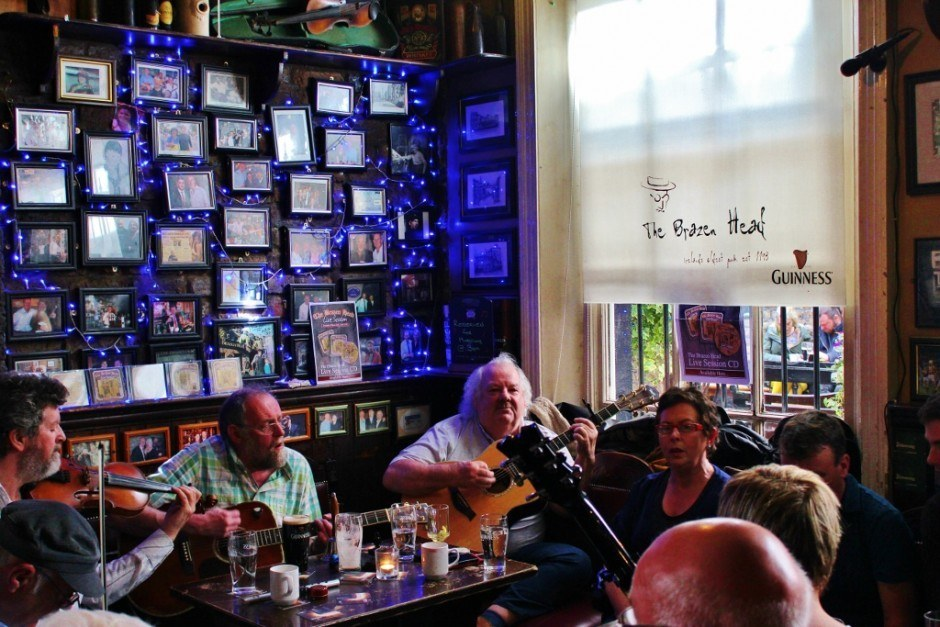 A Traditional Dublin, Ireland Sunday Session at The Brazen Head