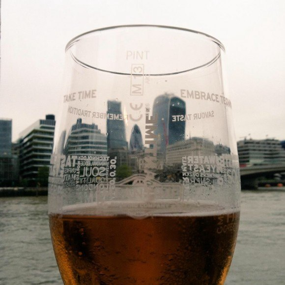River Thames Pub Crawl #4: The Ol Thameside Inn has Meantime Pale Ale and a view!