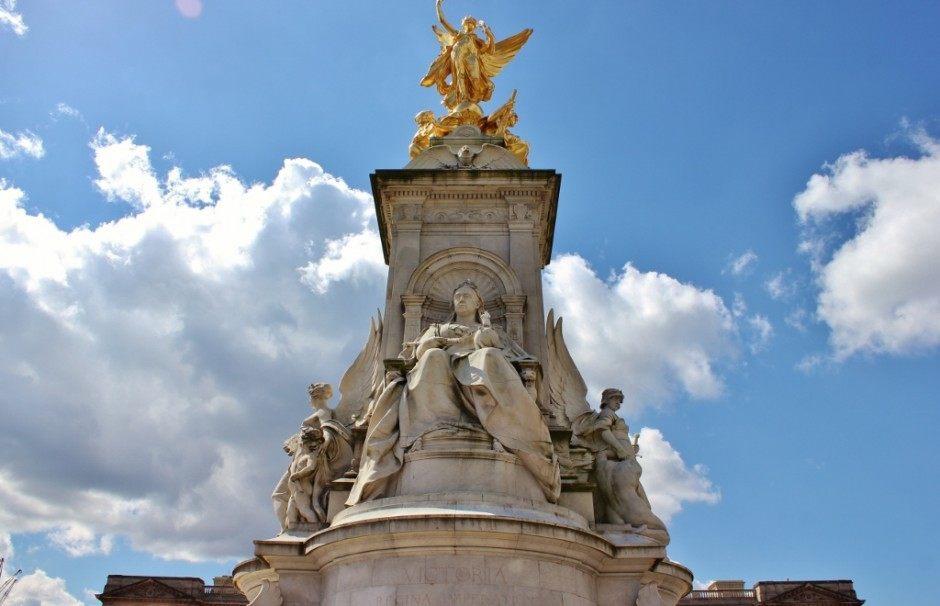 Westminster Sights: Queen Victoria Memorial