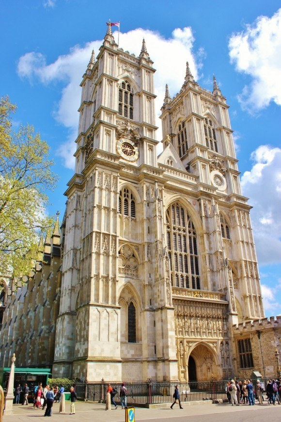 Spending a Sunday in London meant we could attend Sunday's Sung Eucharist service for free!
