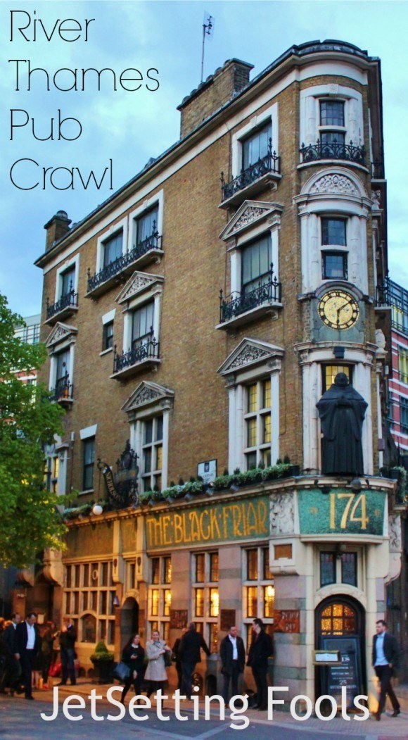 River Thames Pub Crawl in London