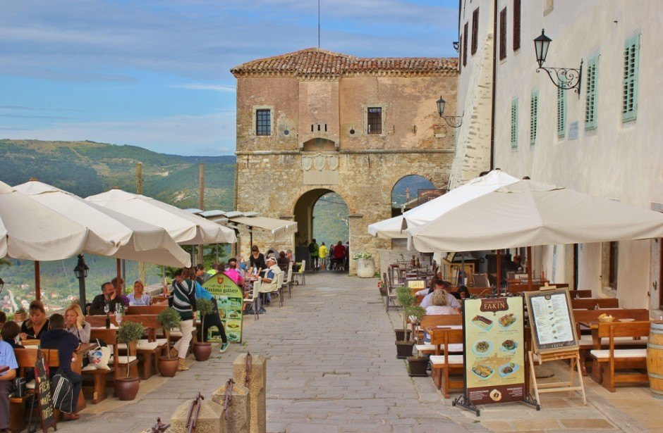 Visiting Motovun includes the opportunity to dine al fresco
