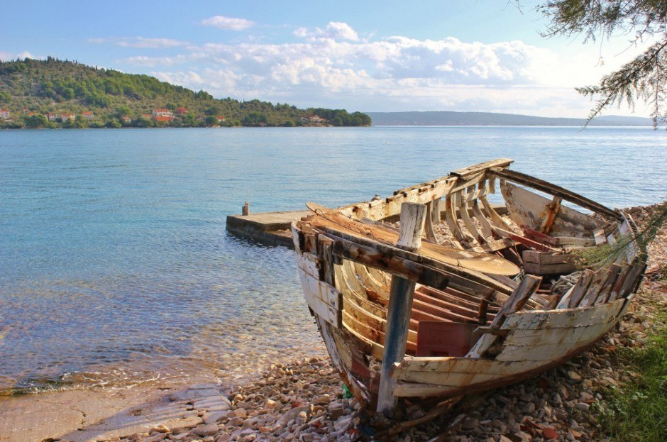 We took a boat trip from Zadar to Ugljan and found this abandoned boat