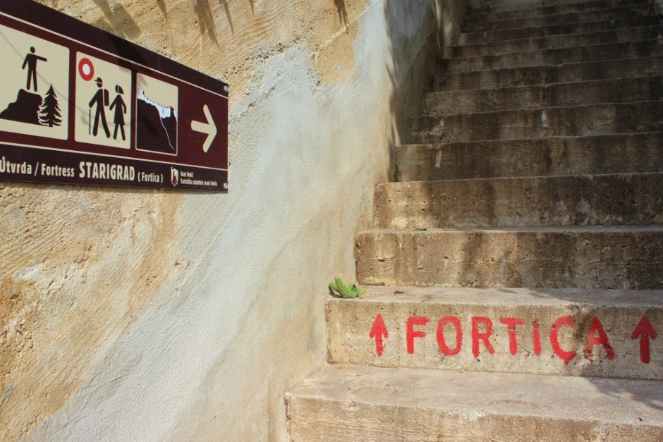 We found the trailhead to begin hiking to Starigrad Fortress in Omis
