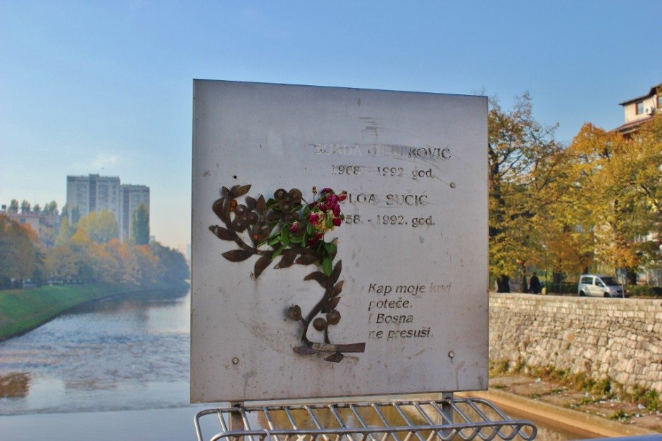 20 years after the Siege of Sarajevo: a faded plaque commemorates the renaming of the bridge to the Suada Dilberovic and Olga Sucic Bridge, the first two victims of the Serge of Sarajevo that were killed on the bridge