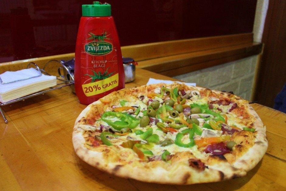 Sarajevo cuisine: Pizza U2