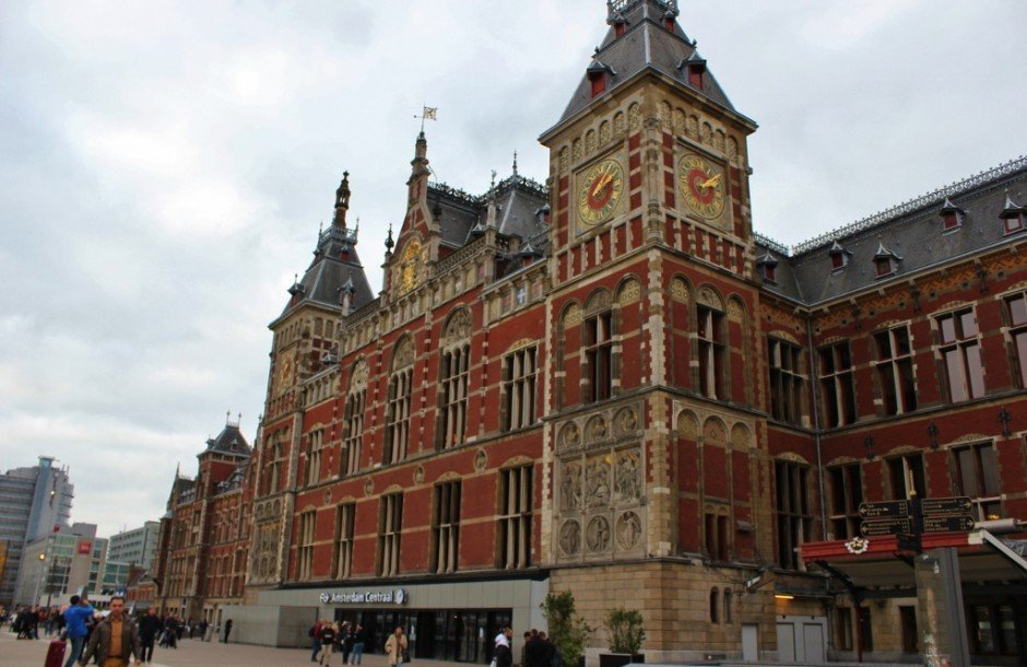 One day in Amsterdam self-guided walking tour - sight 1: Central Station