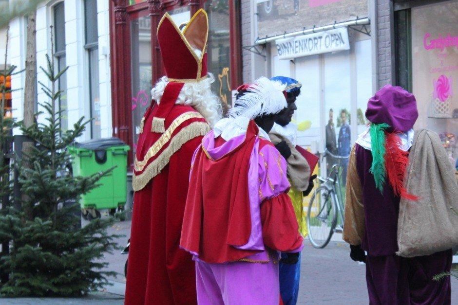 Housesiting for the holidays in Nijmegen Netherlands celebrate Christmas Sinterklaas Zwarte Piets
