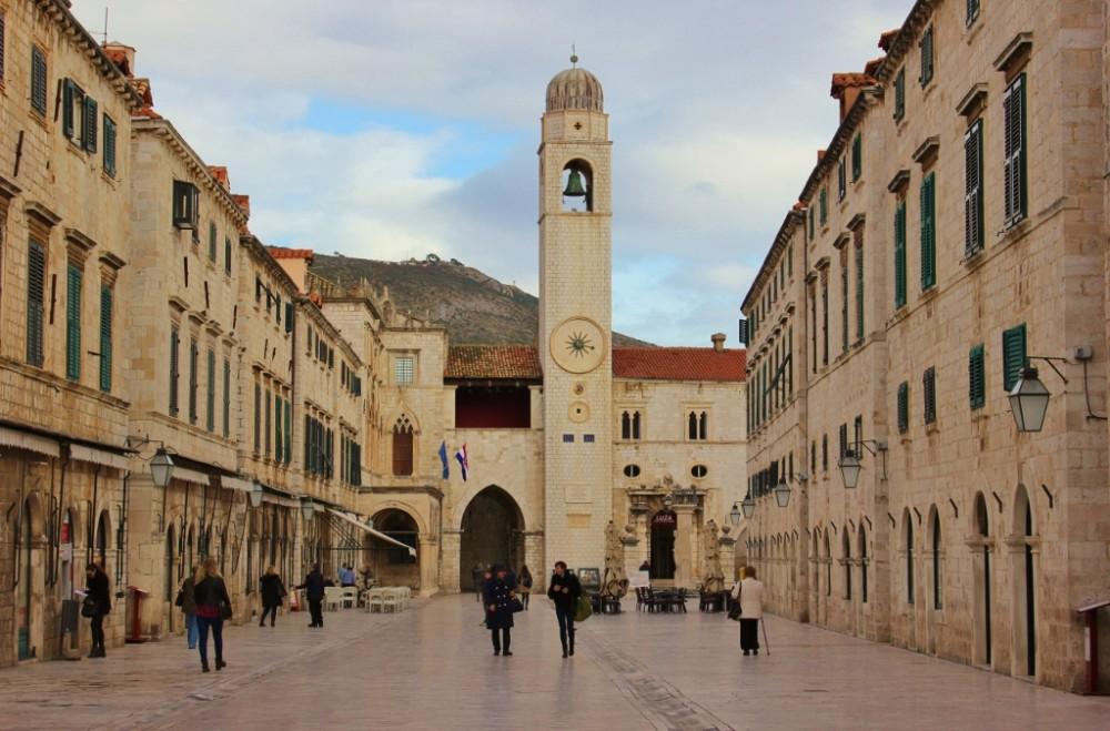 2-week Croatia Itinerary Dubrovnik Stradun JetSetting Fools