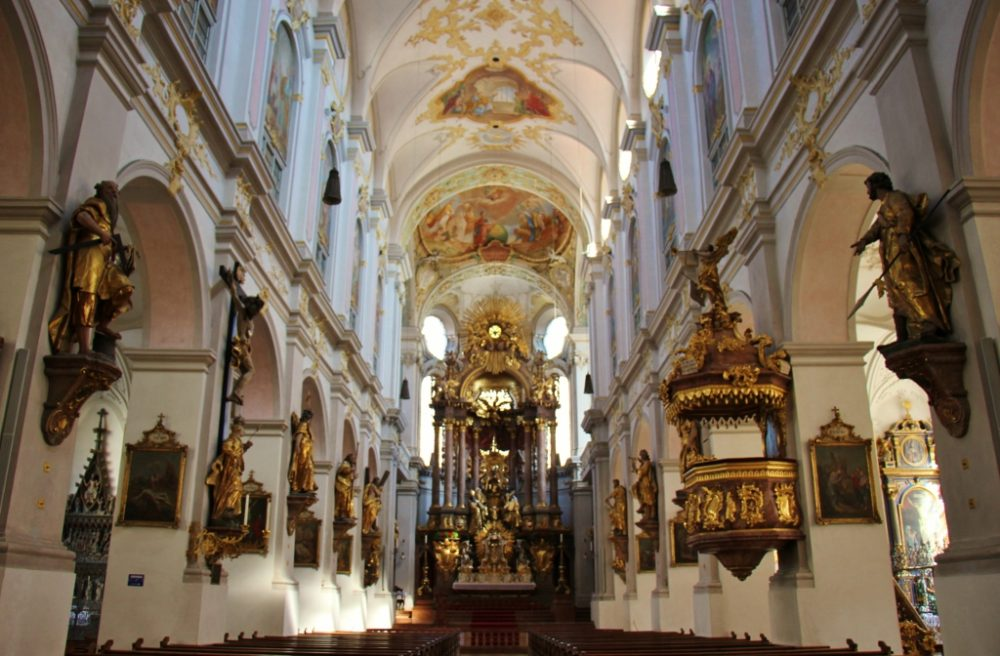 Sightseeing on a Layover in Munich Inside Peterskirche St. Peter's Church JetSettingFools.com