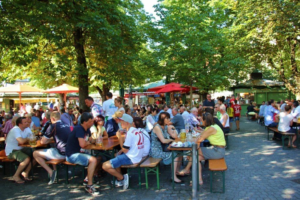 Sightseeing on a Layover in Munich Viktualienmarkt Beer Garden JetSettingFools.com