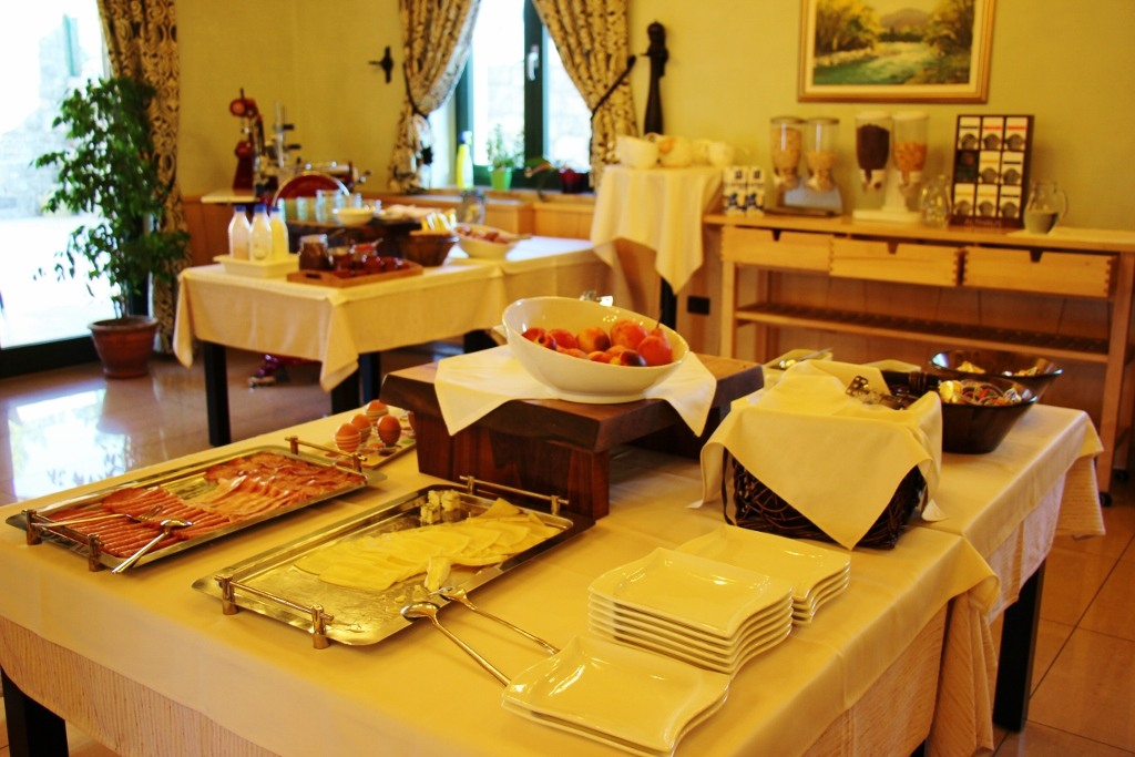 breakfast-included-at-hotel-malovec-in-divaca-slovenia