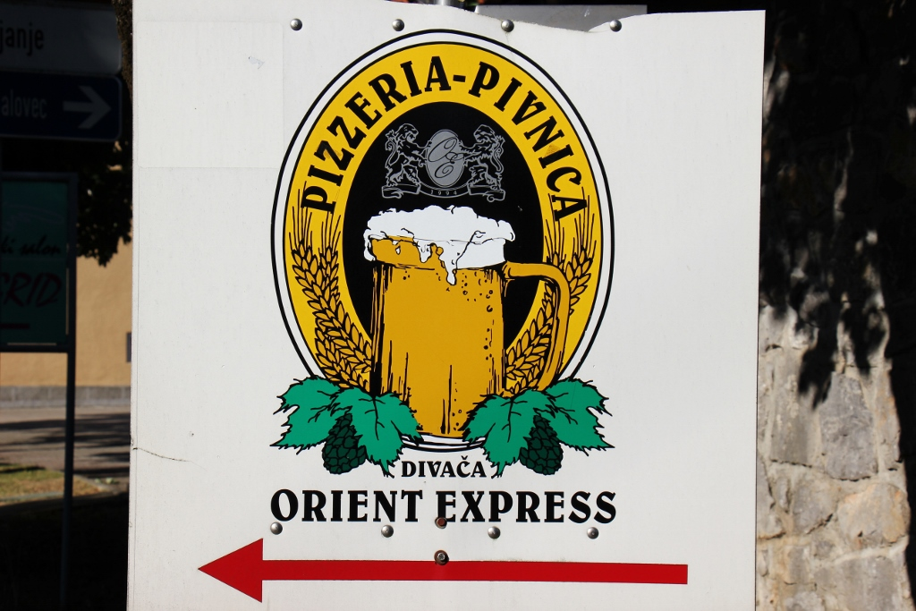 Sign-for-pizzeria-oreient-express-pivnica-divaca-slovenia