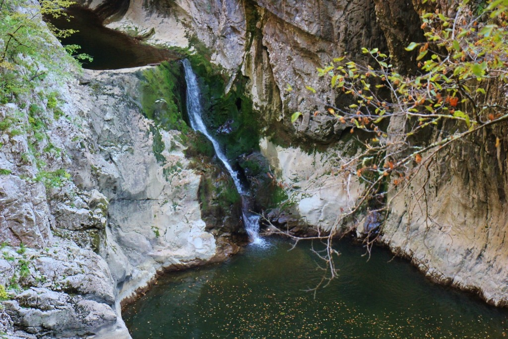Reka-River-waterfall-at-skocjan-caves-slovenia