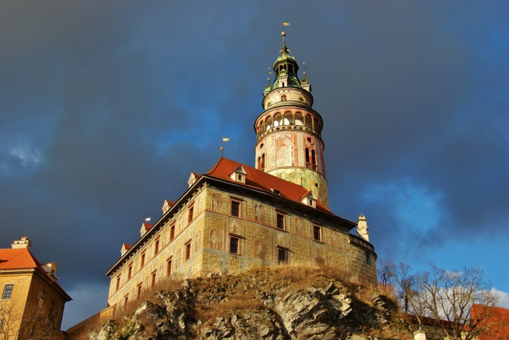 Little Castle and Castle Tower perched on rocks, Cesky Krumlov, Czech Republic