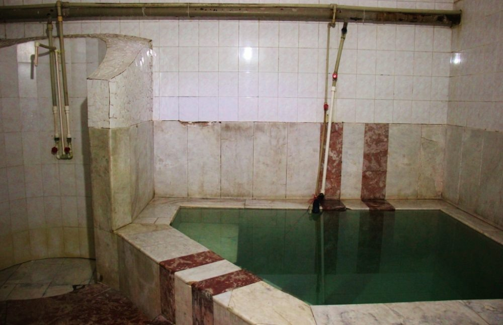 Private room with shower and pool at Sulphur baths in Tbilisi, Georgia