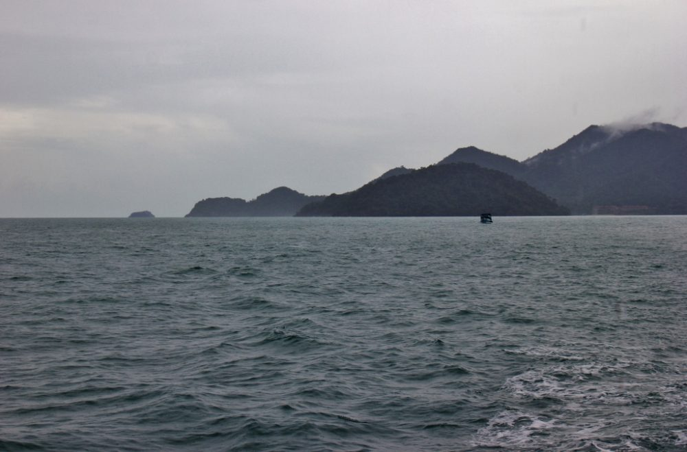 Rainy season Koh Chang snorkel trip