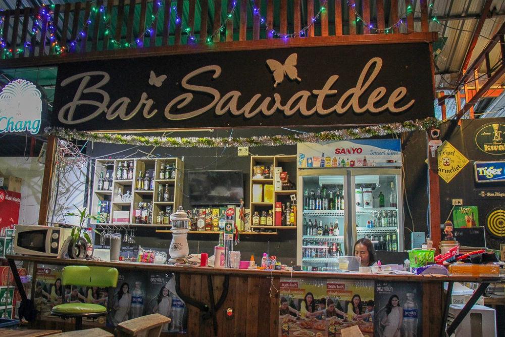 Bar Sawatdee at New On Nut Night Market in Bangkok, Thailand